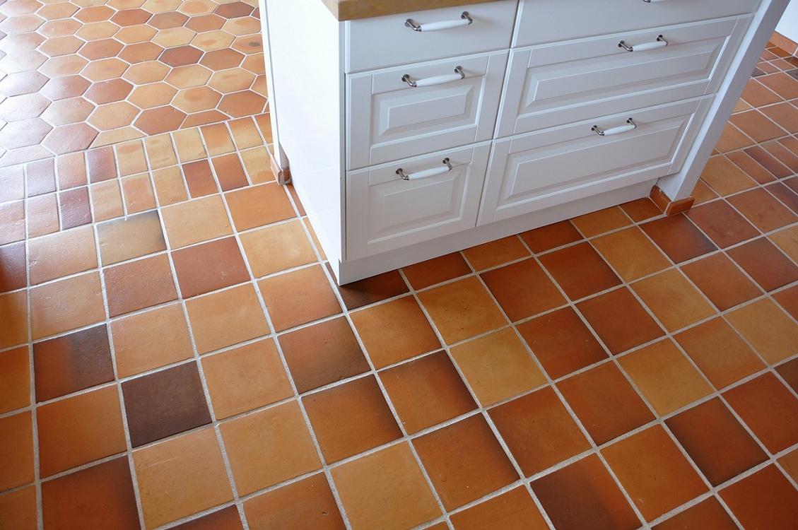 Floor tiles terracotta floor tiles old terracotta dailygadgetfo Image collections